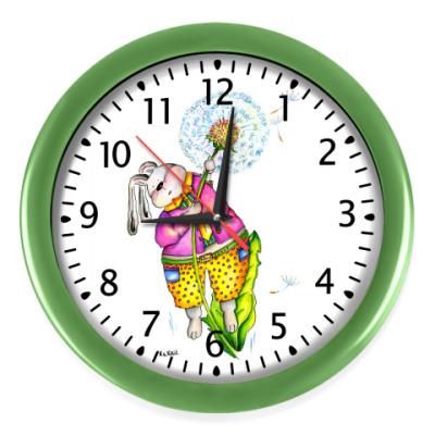 Настенные часы Кролик улетает на одуванчике
