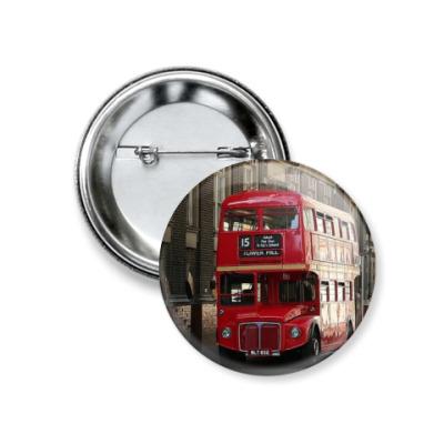 Значок 37мм Красный автобус