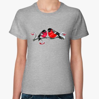 Женская футболка Снегири на рябине