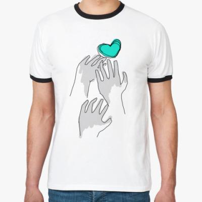 Футболка Ringer-T Сердце и руки