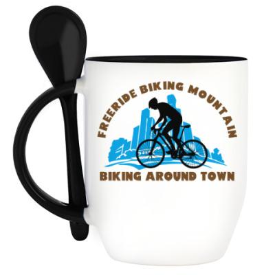 Кружка с ложкой biking around town