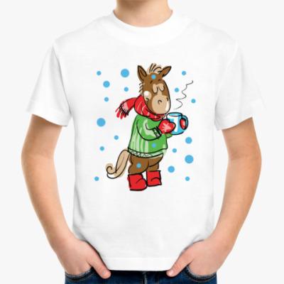 Детская футболка Новогодняя лошадь с чаем