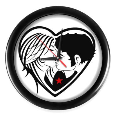 Настенные часы Kiss Forever