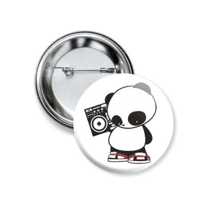 Значок 37мм Панда с магнитофоном