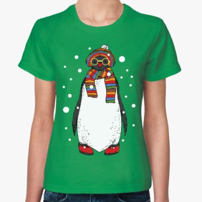 Женская футболка Новогодний пингвин в шапке