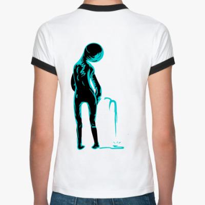 Женская футболка Ringer-T Человек писающий