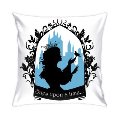 Подушка Прекрасная принцесса с поющей птичкой. Силуэт