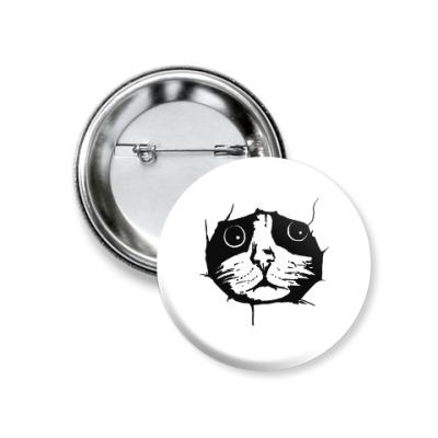 Значок 37мм Любопытный кот