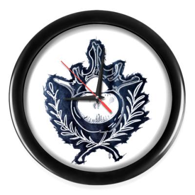 Настенные часы Кости