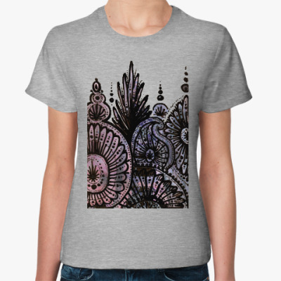 Женская футболка На глубине моря