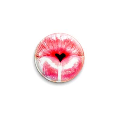 Значок 25мм lips heart