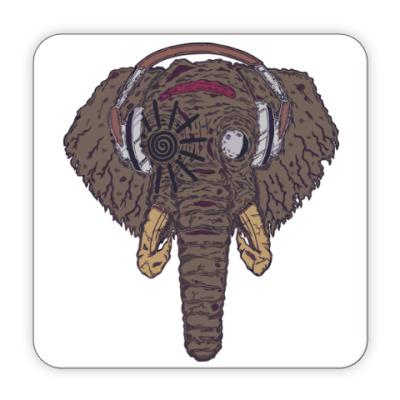 Костер (подставка под кружку) Слон в наушниках