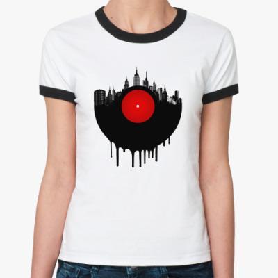 Женская футболка Ringer-T Винил