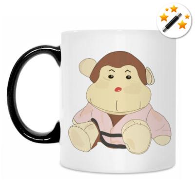 Кружка-хамелеон обезьянка-каратист