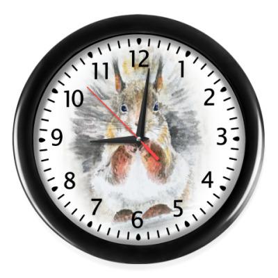 Настенные часы Белочка